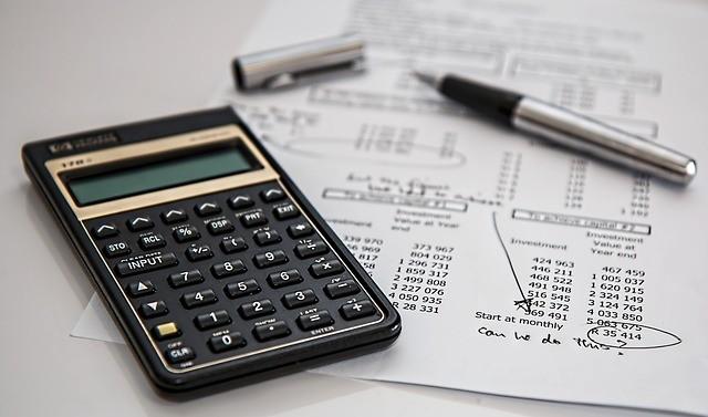 Todos los impuestos a pagar al comprar un coche y cómo calcularlo