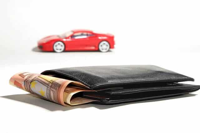 billetera con billetes prestamo